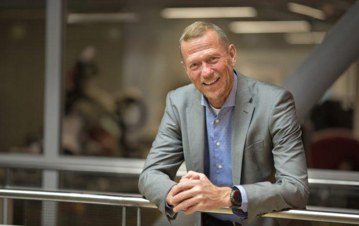 Ove Fredheim, leder for Telenor Bedrift har store forventninger til hva kunstig intelligens kan gjøre for varehandelen. Foto: Martin Fjellanger.
